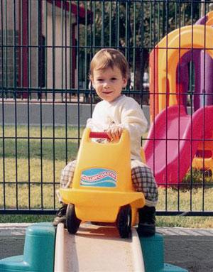 girl-on-car